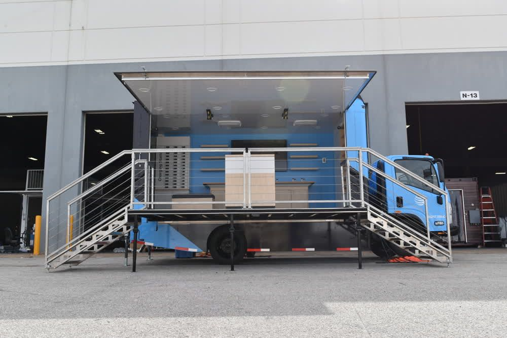 at&t mobile showroom trailer truck