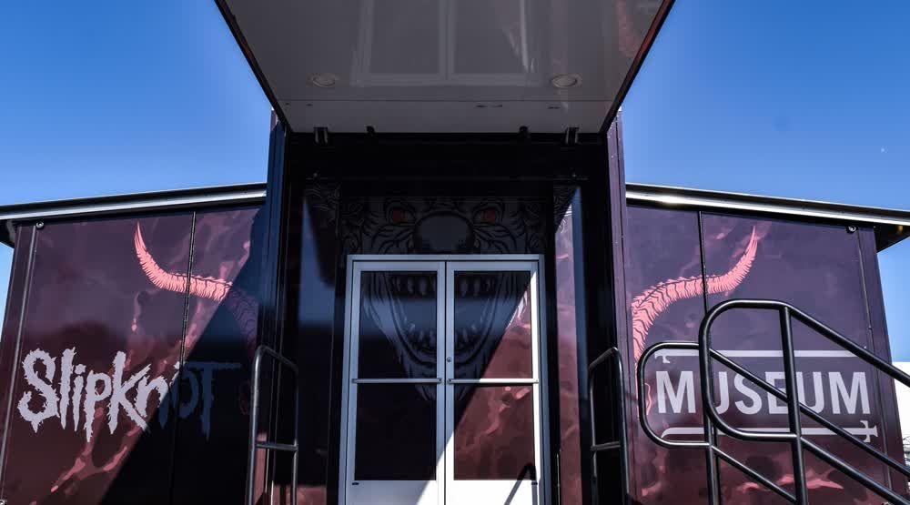 slipknot mobile showroom trailer truck