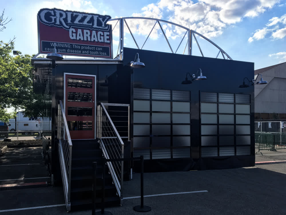 grizzly garage  double expandable trailer