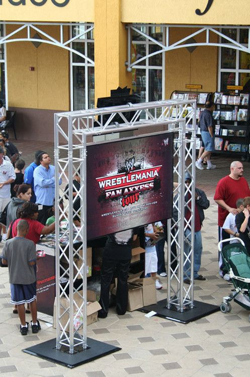 wrestlemania fans axxess tour experiential event elements