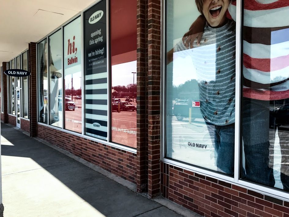 old navy retail graphics