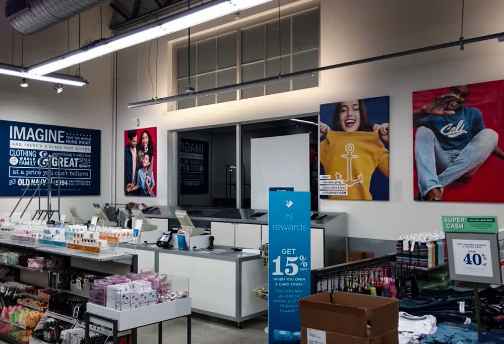 old navy stores retail graphics